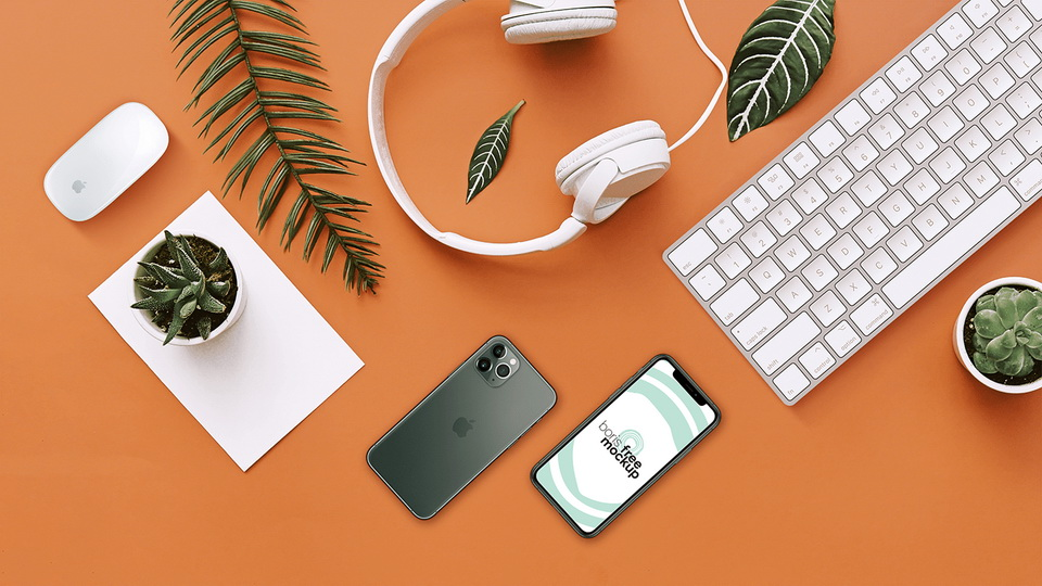 desk_iphone_mockup